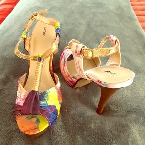 Apt 9 Color-Blocked Cloth Sandals